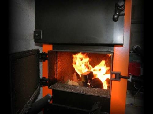 Kieto kuro katilai gyvenamųjų namų šildymui