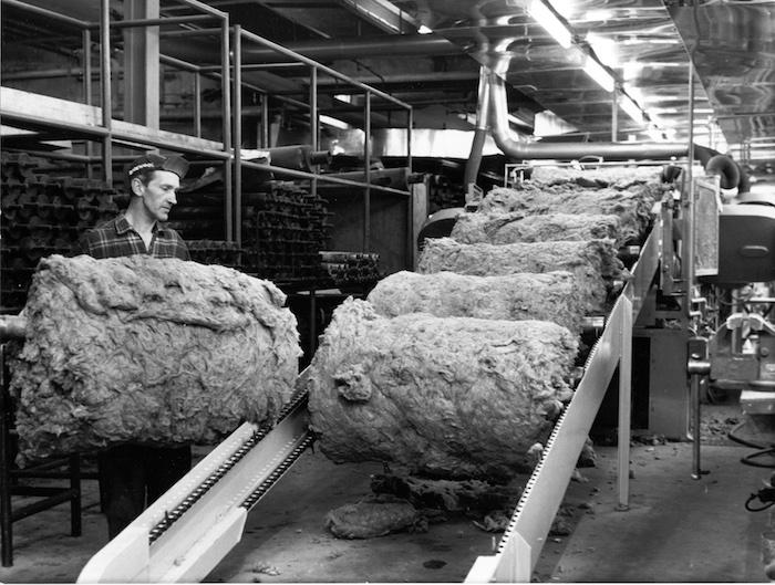 """""""Paroc"""" akmens vatos izoliacines medžiagas pagimdė rūstūs pokario metai"""