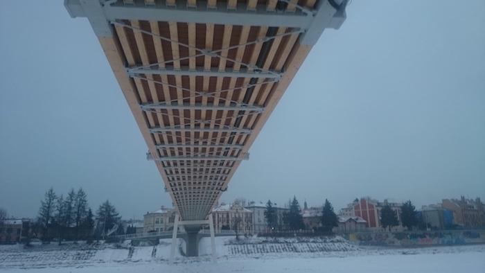 """Medinės """"Jūrės medžio"""" konstrukcijos įgalino panaudoti unikalų tilto montavimo būdą"""