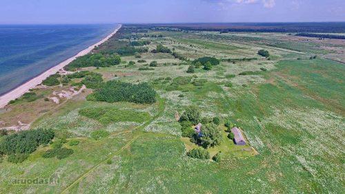 30 arų žemės sklypas prie jūros – iki jūros tik 180 metrų. 1,38 ha teritorijoje parduodami 4 sklypai (po 30 a.) prie kop