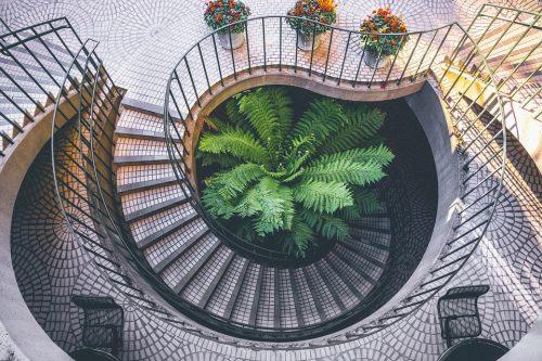 Kaip išsirinkti tinkamus laiptus namams?